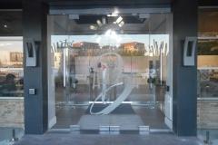 frameless vestibule