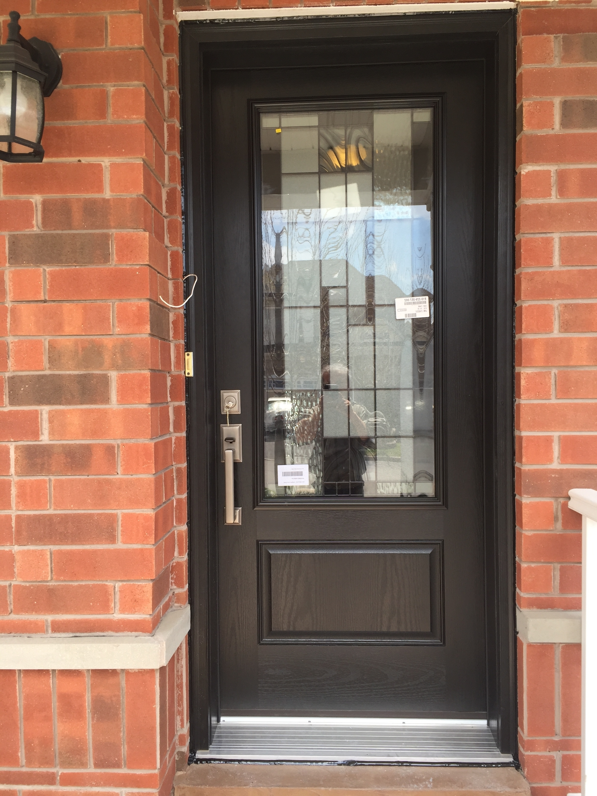 Fibreglass doors newcastle aluminum inc for Residential entry doors