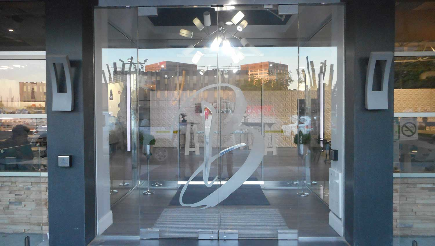 Frameless glass storefront door - Aluminum Storefront Frameless Door